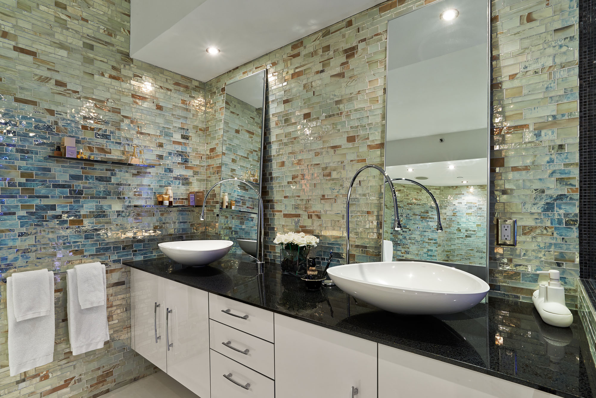 Trend Mosaic & Agglomerate Tiles for Kitchen, Bathroom & Pool ...