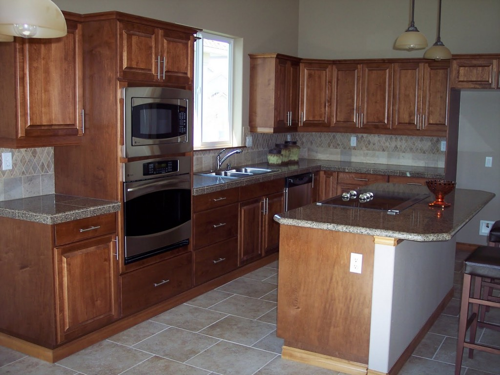 kitchen-cabinets-clearwater-fl-lovely-granite-counter-with-wood-cabinets (1)
